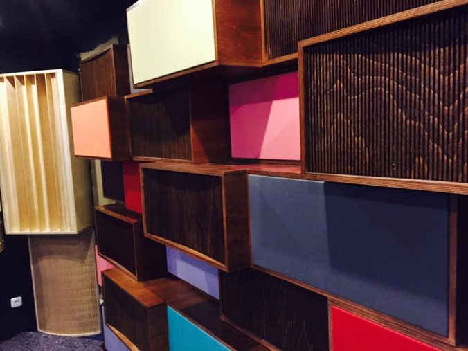 Akustikstoff.com @ Musikmesse 2017 – Nicely looking absorbers fitted with our speaker fabric