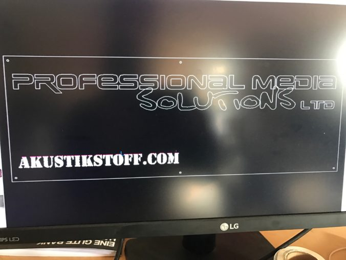 Akustikstoff.com @ Musikmesse 2017 – During stand construction we suddenly realise that we did not have a proper sign. In a cloak-and-dagger operation, we have it designed and made at our premises on Tuesday evening …