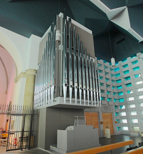 Church organ in St. Mary's Assumption in Ahaus, Germany with sound-transparent fabric from Akustikstoff.com